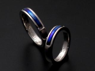 プラチナとチタンの指輪