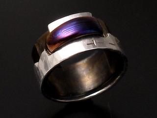 木目金の指輪(チタンとオーステナイト